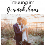 Brautpaar nach der freien Trauung im Gewächshaus
