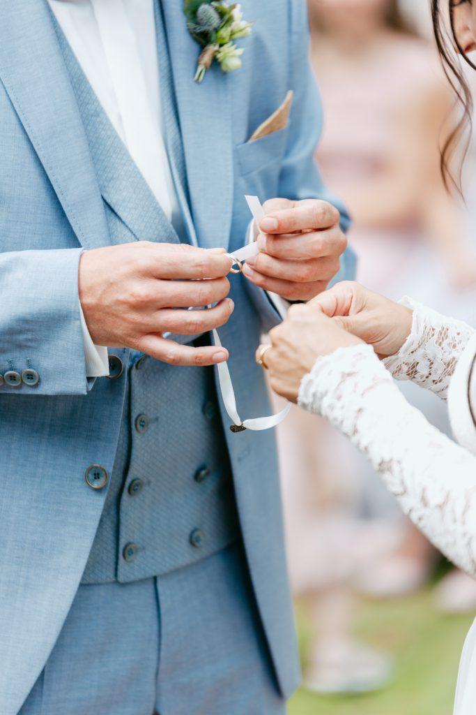 Handfasting Hochzeitsritual in der freien Trauung