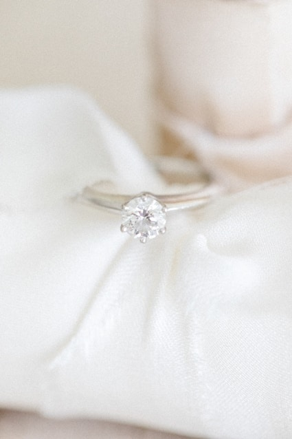 Seidenbänder Fine Art Wedding Solitaire Ring
