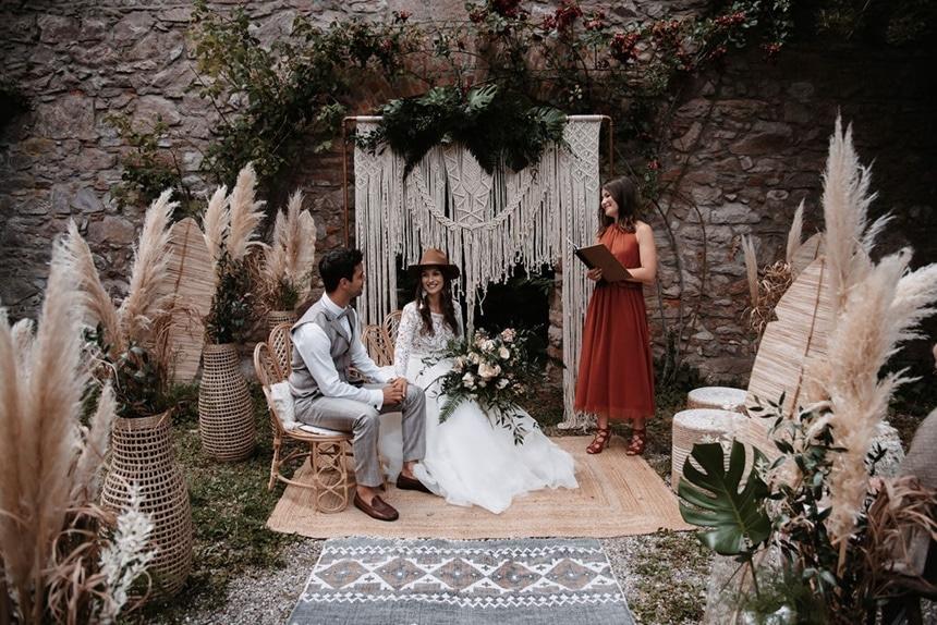 Greenery Boho Wedding - intime kleine Sommerhochzeit unter freiem Himmel freie Trauung