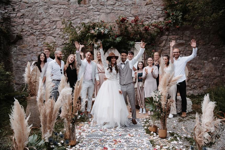 Greenery Boho Wedding - intime kleine Sommerhochzeit unter freiem Himmel