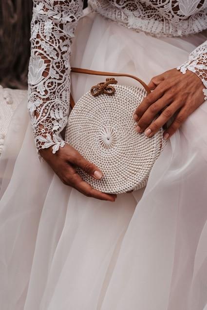 Greenery Boho Wedding - intime kleine Sommerhochzeit unter freiem Himmel Brauttasche