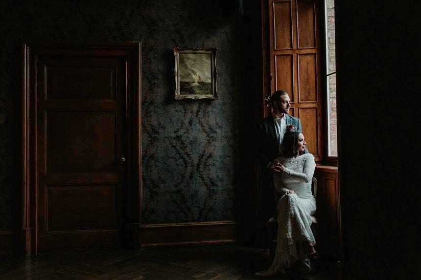 Boho Hochzeit mit orientalischen Elementen auf Burg Bergerhausen NRW bei Köln Brautpaar Getting Ready