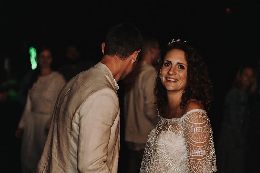Sparkling Bali Night - tanzendes Brautpaar Party