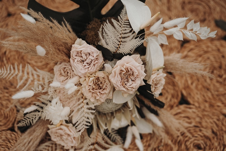 Sparkling Bali Night - Trockenblumengesteck für Hochzeit