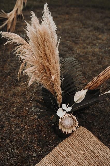 Sparkling Bali Night - Pampas Gras Proteas Hochzeitsdeko