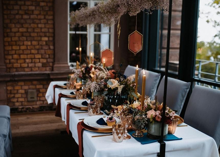 Autumn Colors Tischdeko gold blau orange bordeaux