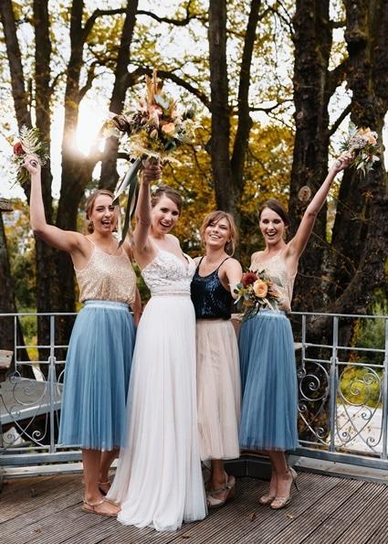 Autumn Colors Braut mit Bridesmaid Brautjungfern