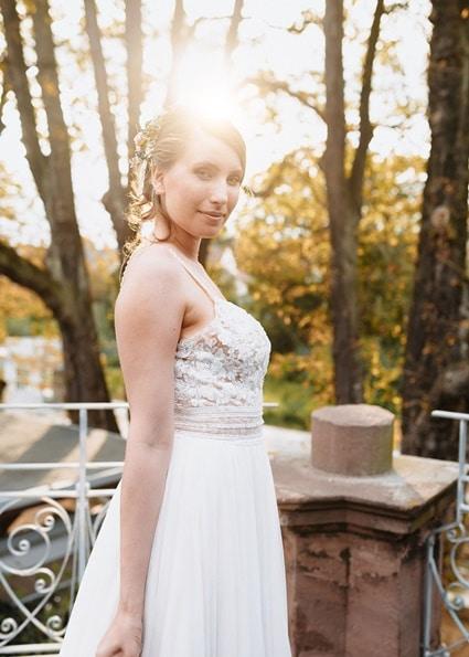 Autumn Colors Braut im weißen Brautkleid