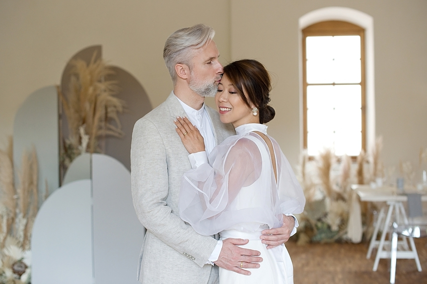 minimal love white wedding inspiration 0005
