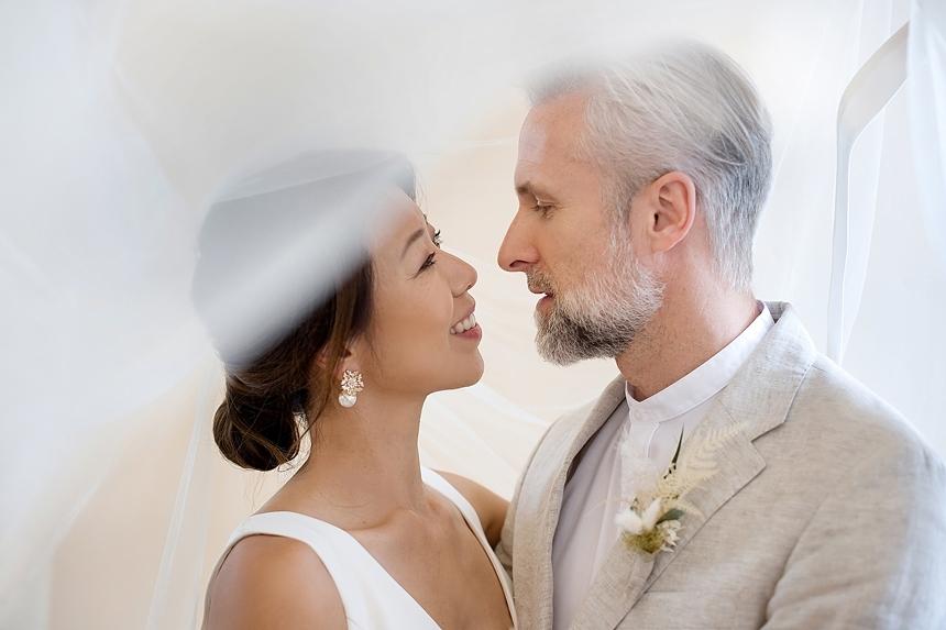 minimal love white wedding inspiration 0035