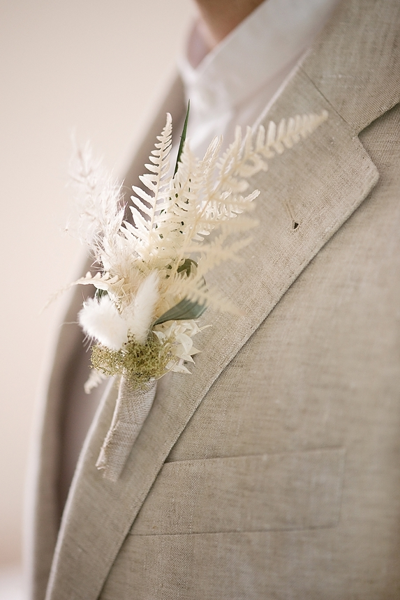 minimal love white wedding inspiration 0064
