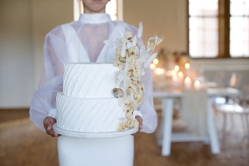 minimal love white wedding inspiration 0074