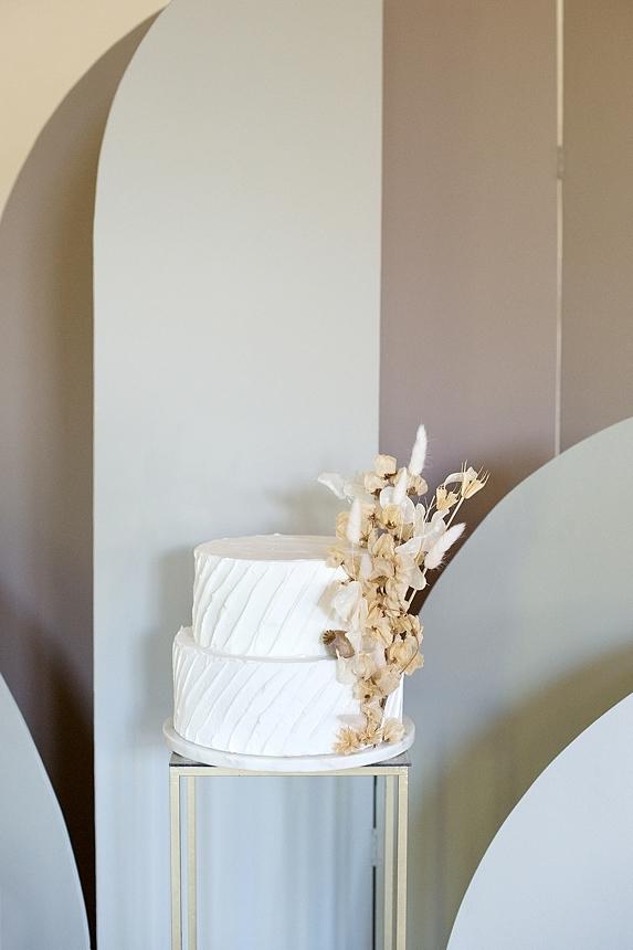 minimal love white wedding inspiration 0076