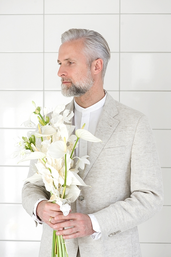 minimal love white wedding inspiration 0094