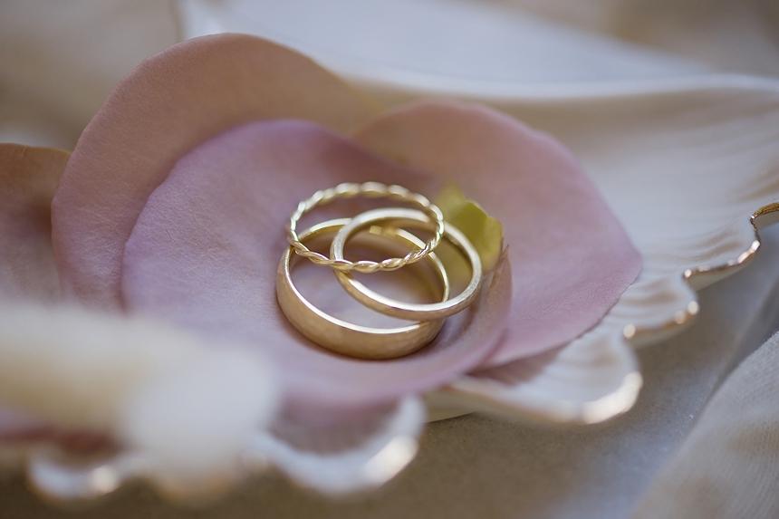 minimal love white wedding inspiration 0098