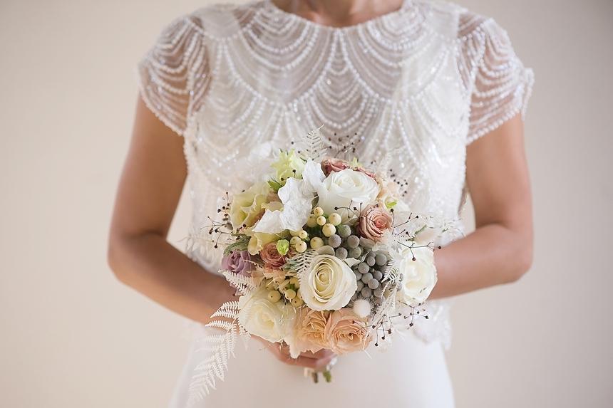 minimal love white wedding inspiration 0100