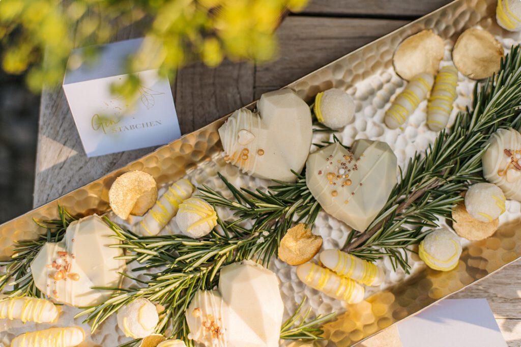 italienische gartenhochzeit gelb zitrone 165