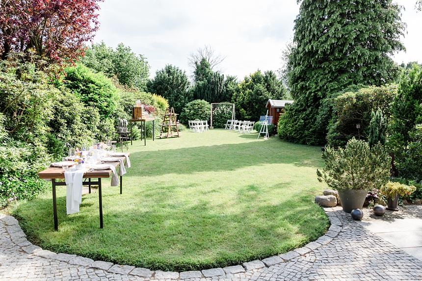 nachhaltige DIY Gartenhochzeit Setting und Deko freie Trauung