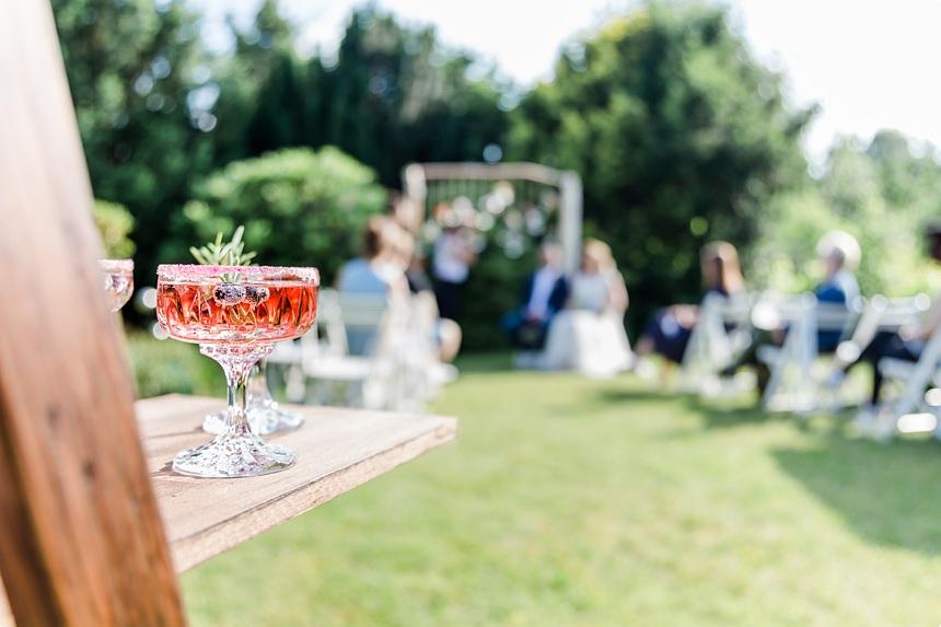 nachhaltige DIY Gartenhochzeit Signature Drink
