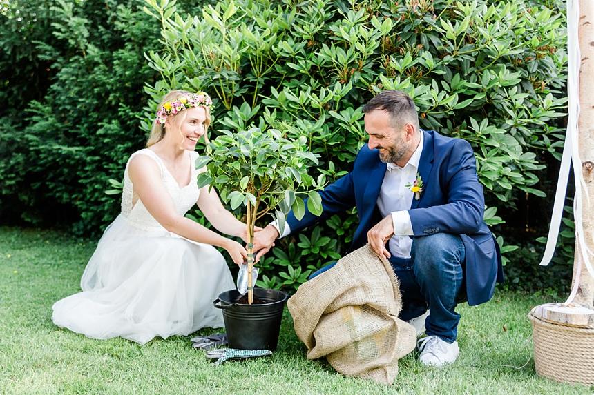 nachhaltige DIY Gartenhochzeit Ritual Wunschbaum freie Trauung