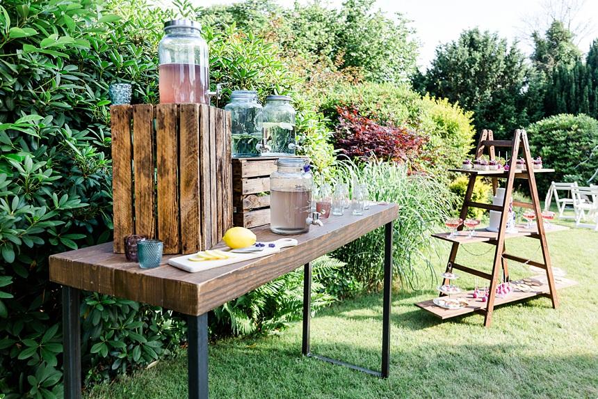 nachhaltige DIY Gartenhochzeit Candy Bar Limo Bar