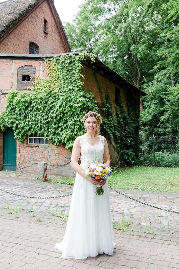nachhaltige DIY Gartenhochzeit Braut